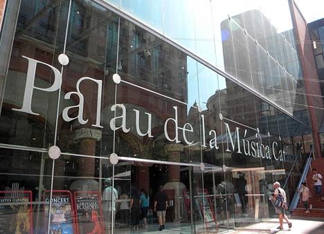Palau_de_la_M_sica_Catalana_(_Vidrera).jpg